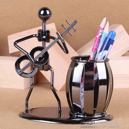 产品中心 宣教展示 教学用品  产品说明:   外观造型: 铁人笔筒